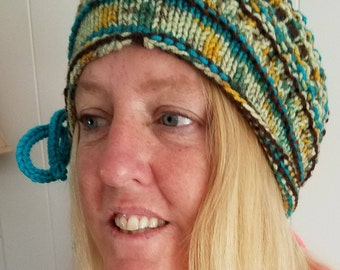 Slouch hat with pattern and I-cord