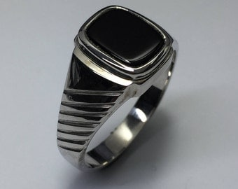 Sterling silver vintage hand crafted black onyx mens ring