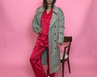 Tan trench coat M
