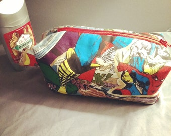 Cotton boxy marvel zip-up pouch