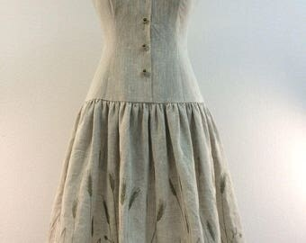 dress made of linen with embroidering