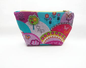 Hard cover with butterflies and trees and colorful decor / Kit lined and closed with zipper fancy