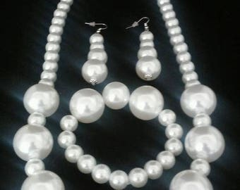 Faux white pearl jewelry set