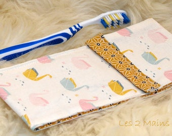 Pocket toothbrush feminine with origami swans, Interior in waterproof coated