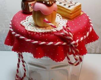 Gourmet pot with cold porcelain miniatures