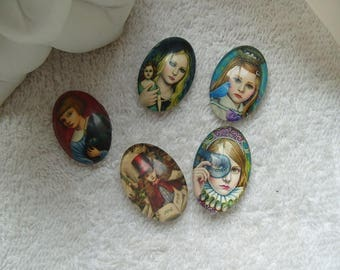 CABOCHONS girls COSTUMEES set of 5 cabochons 2.5 cm oval glass cameos girls dressed for support