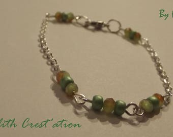 Minimalist beaded bracelet seed beads and glass with silver chain (190415-C)
