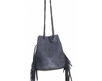 Shoulder bag size purse with faux python women gray leather fringe