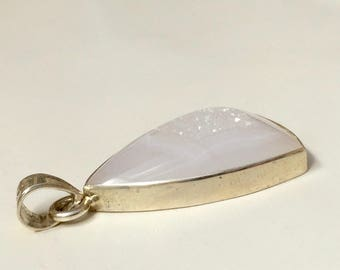 Elegant Agate Pendant in Sterling Silver 925