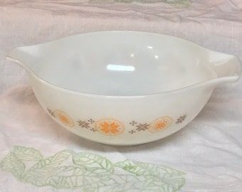 Pyrex 1960s Town & Country Vintage 4 Quart Cinderella Mixing Bowl #444