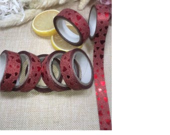 1 rouleau de 5 mètres de masking tape motif coeurs rouges glitter
