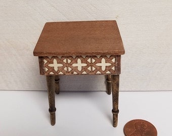Miniature Side Table, End Table, Dollhouse Furniture, Miniature Furniture, Dollhouse Miniatures, Handmade