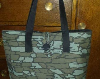Camouflage tote bag.