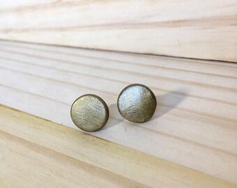 Gold Circle Stud Earrings // polymer clay earrings / metallic earrings / geometric jewelry / minimalist earrings/ clay jewelry / bohemian