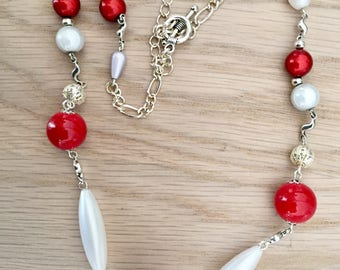 Necklace magic beads and hypoallergenic silver toggle clasp