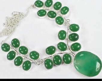 Green Onyx Necklace (rounded pendant)