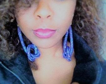 "Pair of oversized ""knot"" earrings"