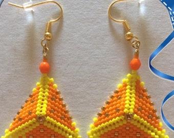 Earrings triangle hand made weaving