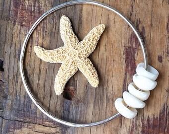 Puka Shell Bangle, Silver Hammered Bangle, Puka Shell Bracelet, Hawaiian Jewelry, Hawaii Bangles, Beach Style, Beachy Boho, Mermaid Bracelet