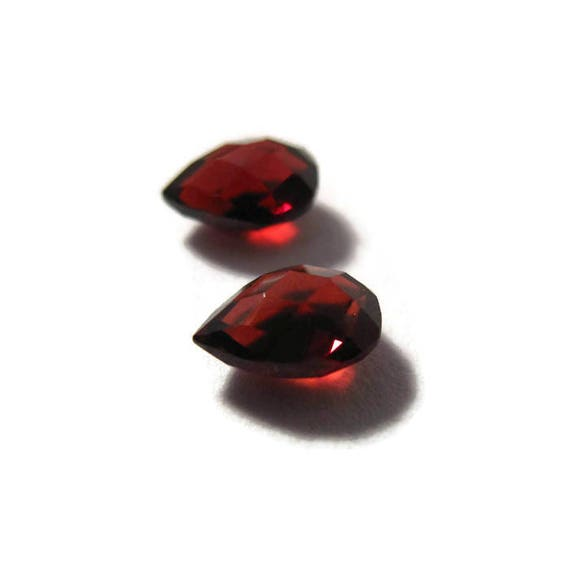 Two NON DRILLED Gemstones, Matching Garnet Teardrops for Making Jewelry & Setting, 7.5mm x 6mm, Jewelry Supplies (Luxe-Nd4b)