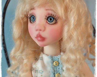 Blonde Mohair Wig Slight Wavy Curl - Size 7