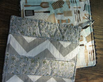 Neutral Kitchen Hotpads or Potholders