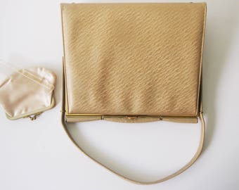 The Blonde Bombshell / Vintage 1950s Gold Leather Handbag / 50s Oversize Kelly Bag