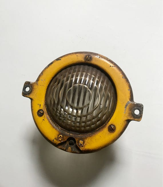 Locomotive Headlamp Assembly