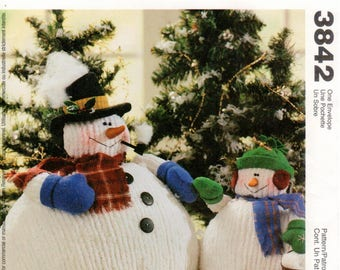 McCall's Crafts Pattern 3842 ~ Chubby Snowman and Snow Child ~ Stuffed Dolls ~ UNCUT
