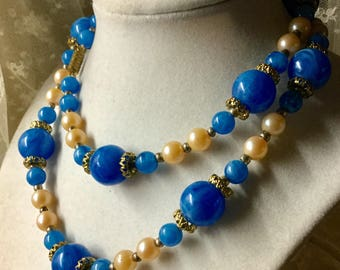 Stunning Single Strand Blue Lucite Champagne Faux Pearl Necklace Unsigned 1950's 1960's Gold Tone Spacer Beads Barrel Clasp Luscious Looking