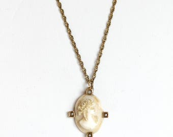 Vintage Caviness Cameo Necklace 12K Gold Costume Jewelry