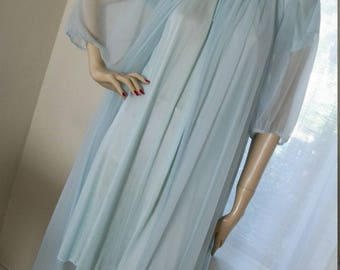 Vintage Pale Robins Egg Blue Shortie Baby Doll Nightgown Size M
