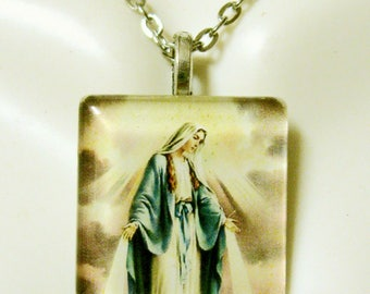 Miraculous Medal pendant with chain - GP02-110