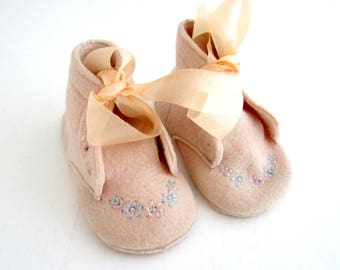 Vintage Felt Embroidered Pink Baby Shoes 1950s CHILDCRAFT 100% Wool Booties