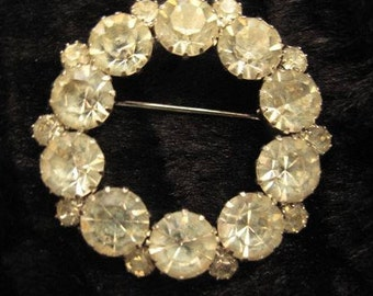 Vintage  Rhinestone Circle Brooch,  Mid Century Brooch,  Estate Jewelry, Bridal Prom Jewelry, Collectible Pin, Circle Pin, Heirloom Brooch