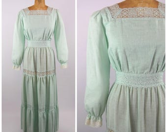 Early 1970s Mint Green Hippie Dress - Empire waist Poets sleeves Lace tiered Skirt - Square Neck line - Sears Fashions Size 16