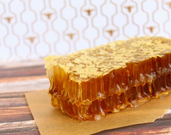 Honeycomb. 100% Pure Raw Organic Wildflower Honey in a Comb.
