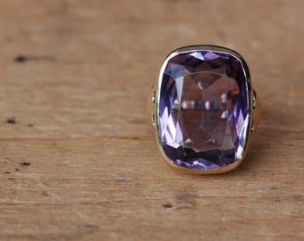 Vintage 25 carat amethyst 10K gold statement ring
