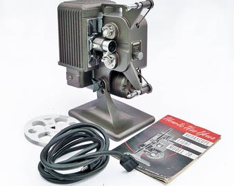 Working 1941 Kodascope Eight Model 70 - 8mm Movie Projector - Art Deco Style, With Carrying Case & Manual