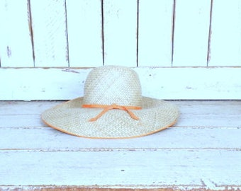 Vintage light tan brown straw sun hat/Happy Cappers woven gardening hat/beach hat