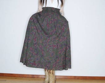 90s dark forest green paisley maxi skirt with pockets size xs/s