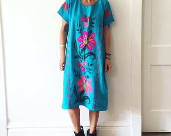 Vintage 70s OAXACA Hand Embroidered Tunic Dress , Cross Stitched Mexican Midi Dress