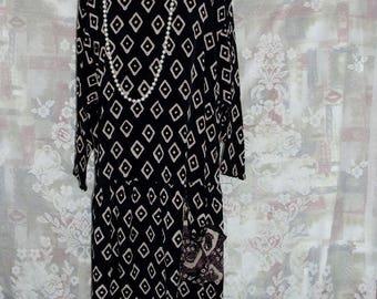 Drop Waist 1920s Style Downton Abbey inspired Tea Dress. #KheGreen