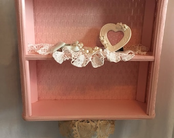 Pink shabby shelves, pink bathrooms, pink shelves, bedroom shelves, shabby chic, shabby pink, shabby cottage, pink decor