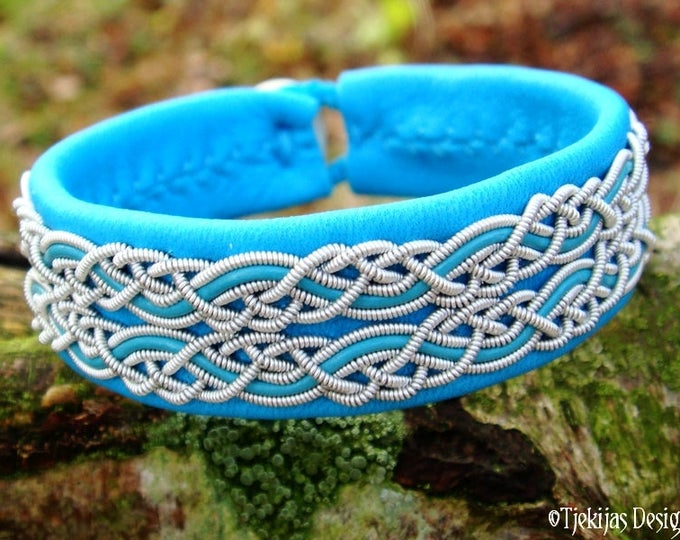 Saami Lapland Bracelet MUNINN Unisex Viking Cuff in Turquoise leather decorated with spun Pewter Braids