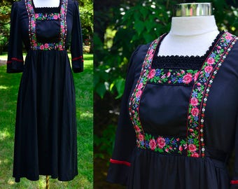 1970s Boho Dress with Floral Embroidered Ribbon / Black Jersey Hippie Young Edwardian Vintage Dress / Size 6/8