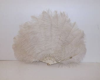 Vintage 1920s large cream real ostrich marabou feather fan and with celluloid struts