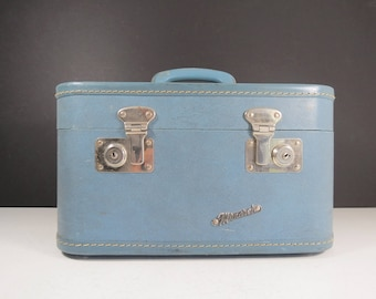 Vintage Monarch Train Case // Retro Slate Blue Small Hard Shell Suitcase Vanity Cosmetics Case Carry On Luggage Storage Tote Box Modern Mod