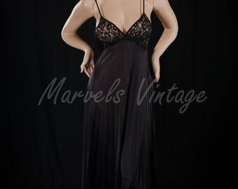 Vintage Olga Black Long Nightgown Style 9690 Lace Bodice Size 36