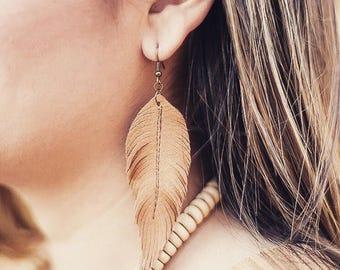 Leather feather earrings // boho jewelry // western jewelry earrings // gypsy // rodeo // cowgirl // southwestern